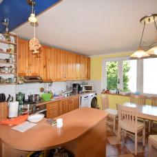 3997 - Na predaj komfortný 4-izbový byt s balkónom a garážou v Komárne