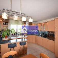 3999 - Na predaj luxusný 5-izbový mezonet s garážou a loggiou v Komárne