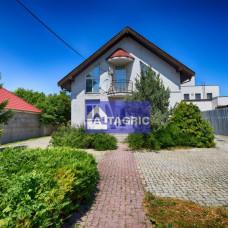 3304 - Na predaj podnikateľský objekt vhodný na rôzne využitie v Dunajskej Strede