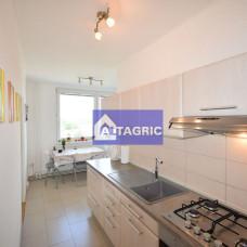 3372 - Na predaj jedinečný 4-izbový byt v širšom centre Komárna - 82m2