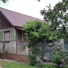 3361 - Na predaj 2 izbový rodinný dom, chalupa v obci Patince
