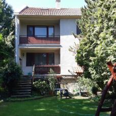 3376 -  REZERVOVANÉ - Na predaj rodinný dom v Komárne na Leteckom poli