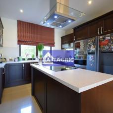 9997 Na predaj luxusný 4 izbový rodinný dom v Komárne (NS)