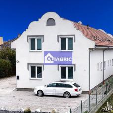 3386 Na predaj nájomný dom s ôsmimi bytovými jednotkami v Kolárove - Investičná príležitosť!