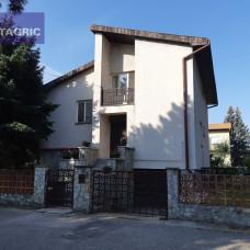 3380 - Na predaj priestranný rodinný dom v tichej lokalite mesta Komárno